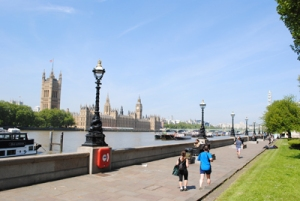 Albert-Embankment