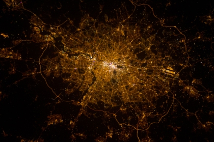 London-at-night-(NASA)
