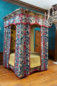 Mary-of-Modena's-bed