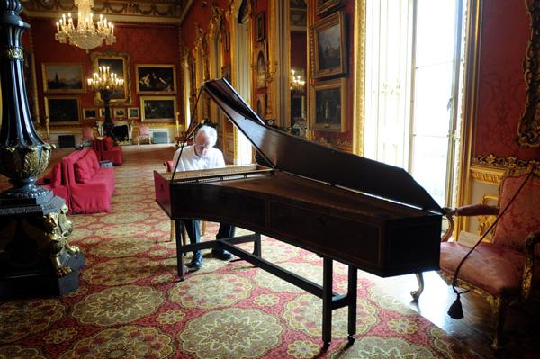Americus-Backers-piano