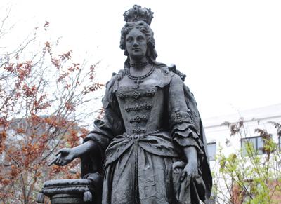 Queen-Charlotte