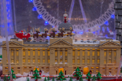 Covent-Garden-LEGO-snow-globe2