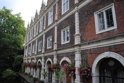 Holland-House2