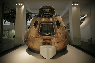 Apollo-10-Command-Module,-c.Science-Museum-and-the-National-Air-and-Space-Museum,-Smithsonian-Institution