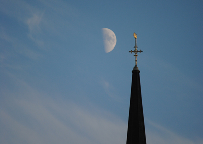 Moon-over-St-James