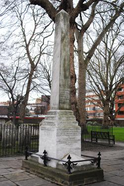 Daniel-Defoe-memorial