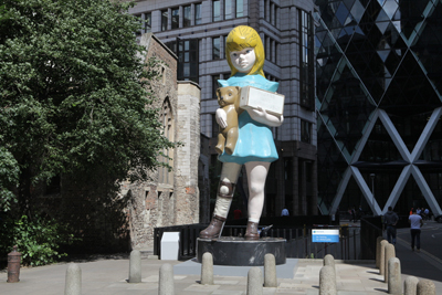 (i)-Damien-Hirst,-Charity.-Sculpture-in-the-City-2015