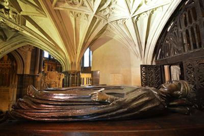 Henry-V-tomb