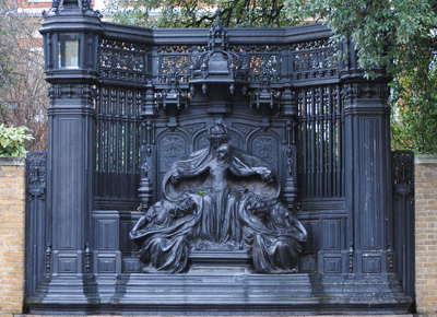 Queen-Alexandra-Memorial