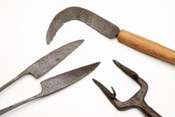 roman-gardening-tools