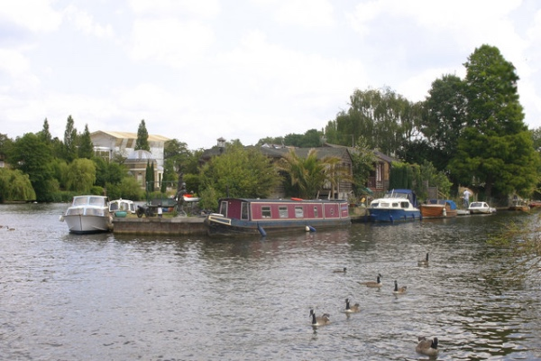 10 islands in the Thames – 10  Garrick's Ait…   Exploring London